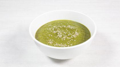 Sopa crema de espinacas y almendras